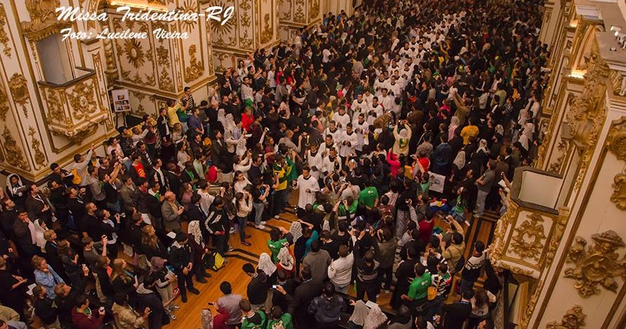 RORATE CÆLI: Juventutem: Images of Pontifical Mass in the ...