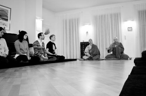 - Hyon Gak Sunim teaching with Boep Ung Soen-Sa, Zen...