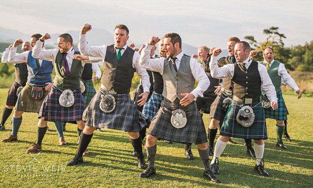 Scottish rugby team do surprise haka at wedding | Daily ...
