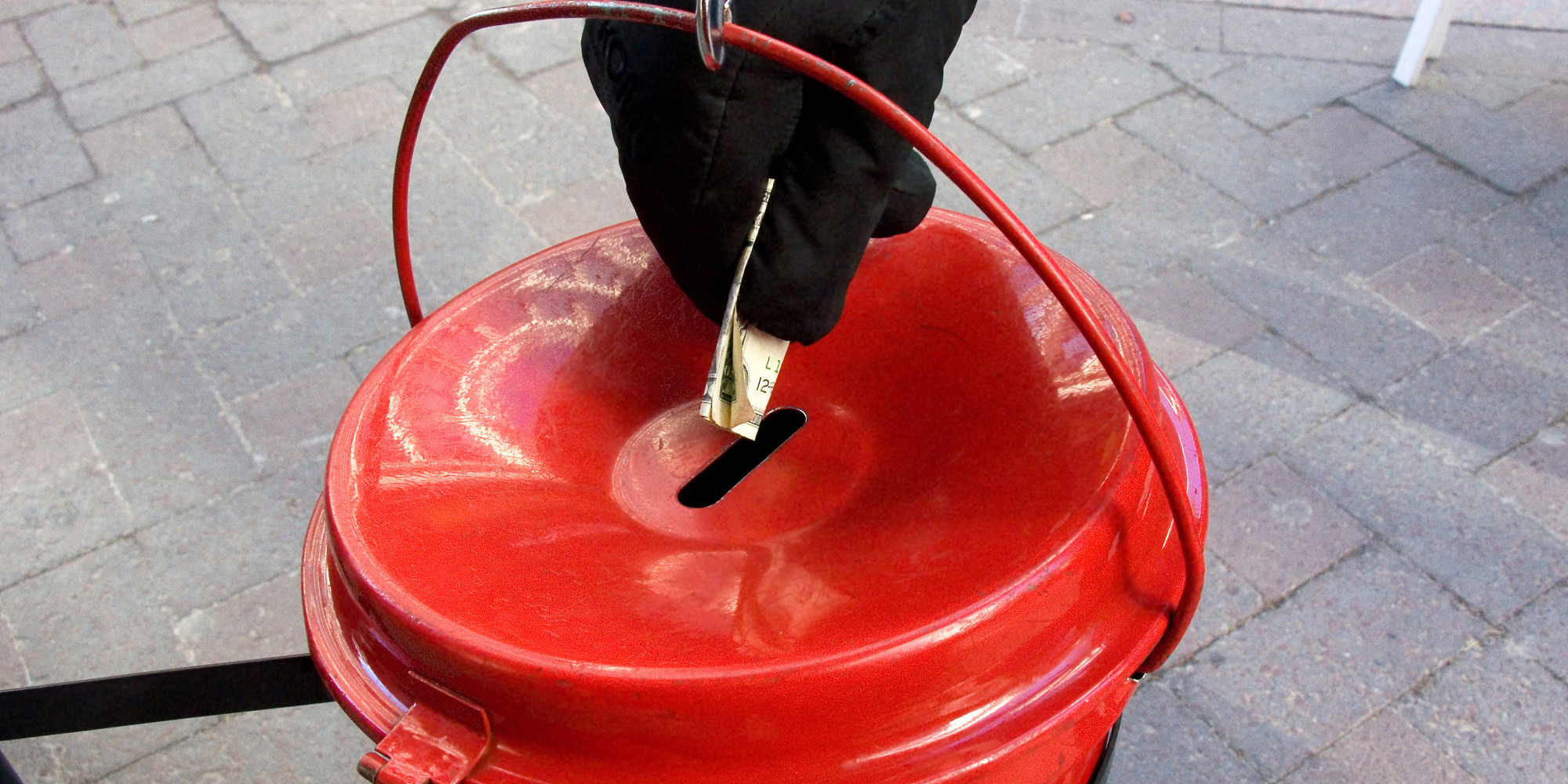 Mystery Donor Hits $500,000 In Anonymous Salvation Army Red Kettle Donations! | HuffPost