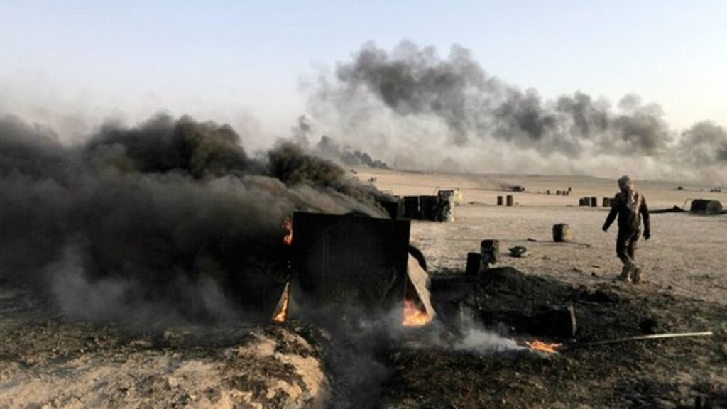 Islamic State crisis: US hits IS oil targets in Syria ...