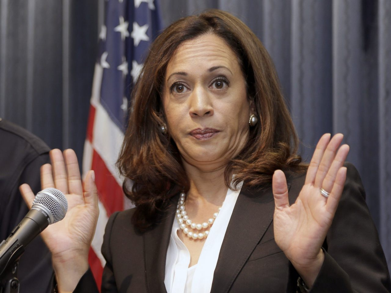 Kamala Harris Cleared, but Campaign Woes Mount - Breitbart