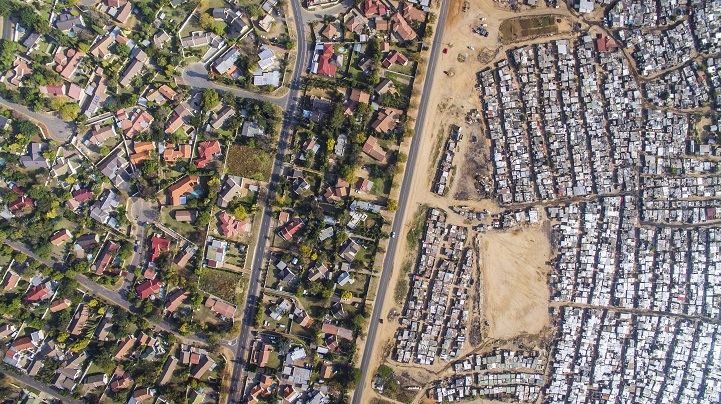 Eye-Opening Aerial Photos Explore the Division Between Wealth and Poverty in South Africa