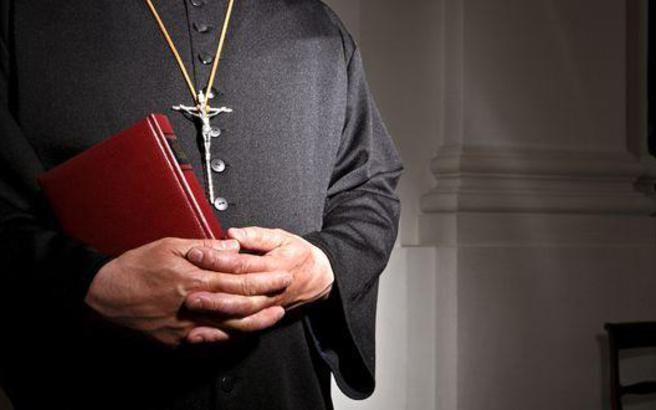 Ιερείς από τη Θεσσαλία υπεξαίρεσαν συνολικά 3,8 εκατ. ευρώ ...