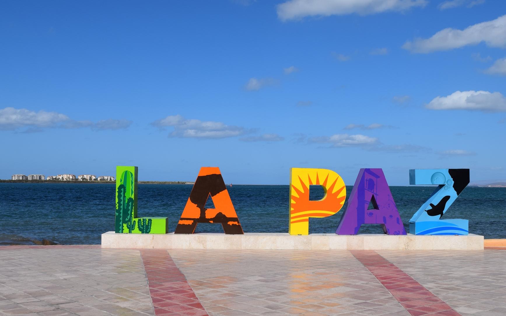 Caravana migrante toma nuevo rumbo a La Paz