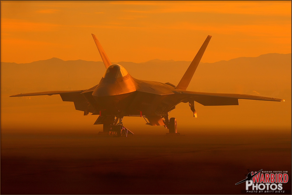 Nellis10D2_F-22A_Raptor_5297.jpg&f=1