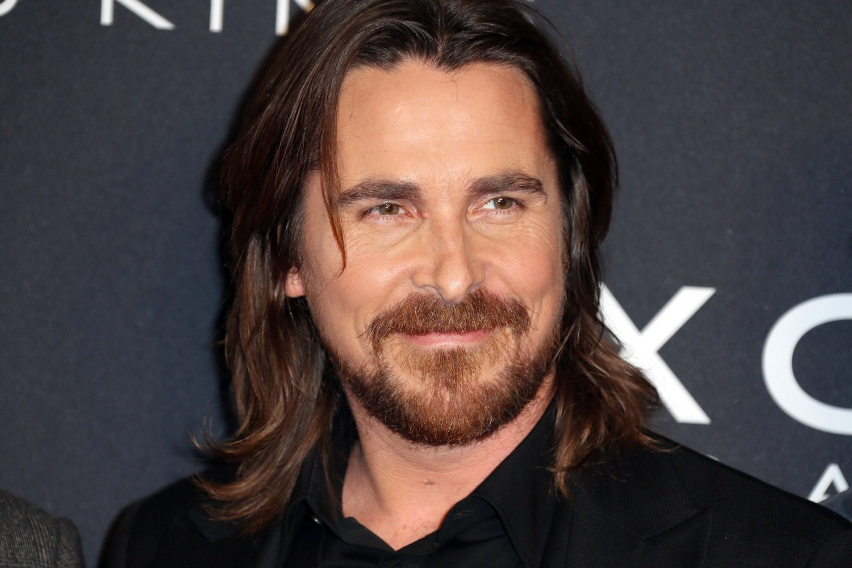 13 Model rambut panjang pria yang bikin penampilanmu lebih ...