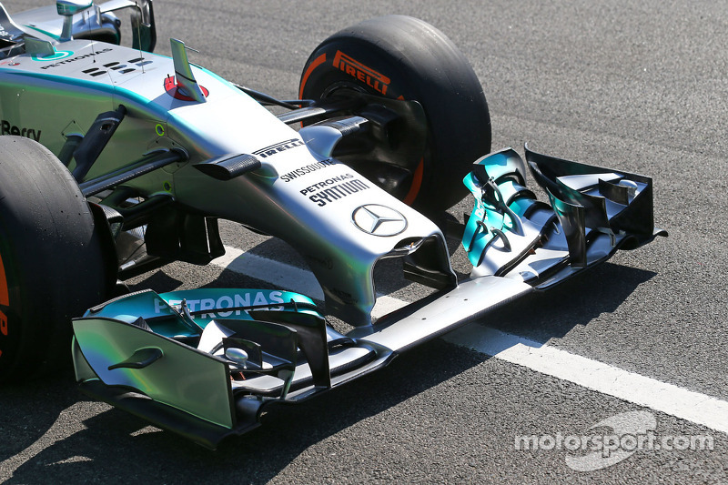 Nico Rosberg, Mercedes AMG F1 W05 front wing at Spanish GP