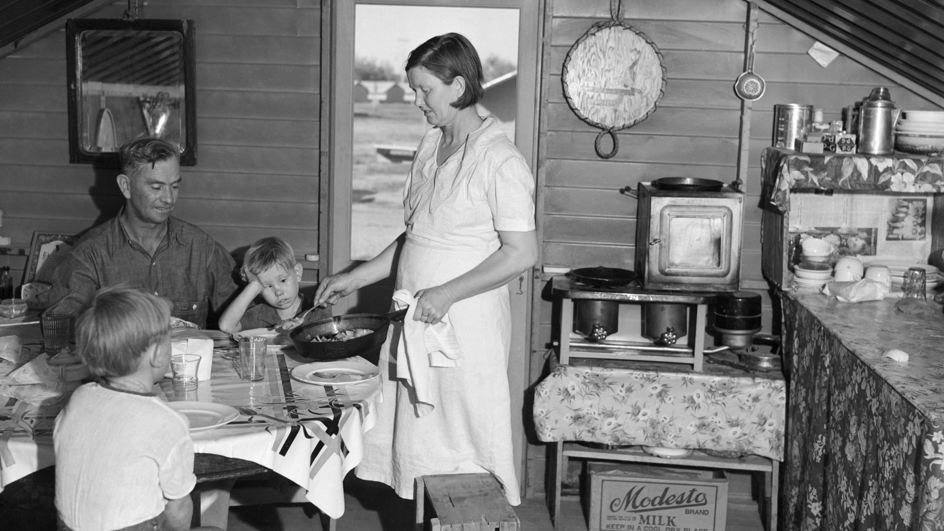 Family Life During the Great Depression | HISTORY.com