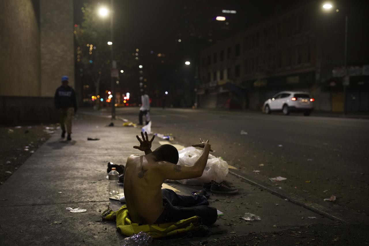AP PHOTOS: Poverty and addiction grip Los Angeles' Skid ...