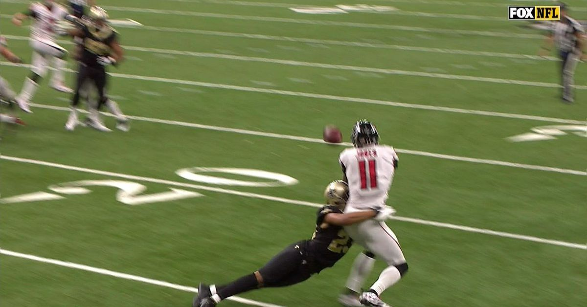 Should Marshon Lattimore have been called for pass ...