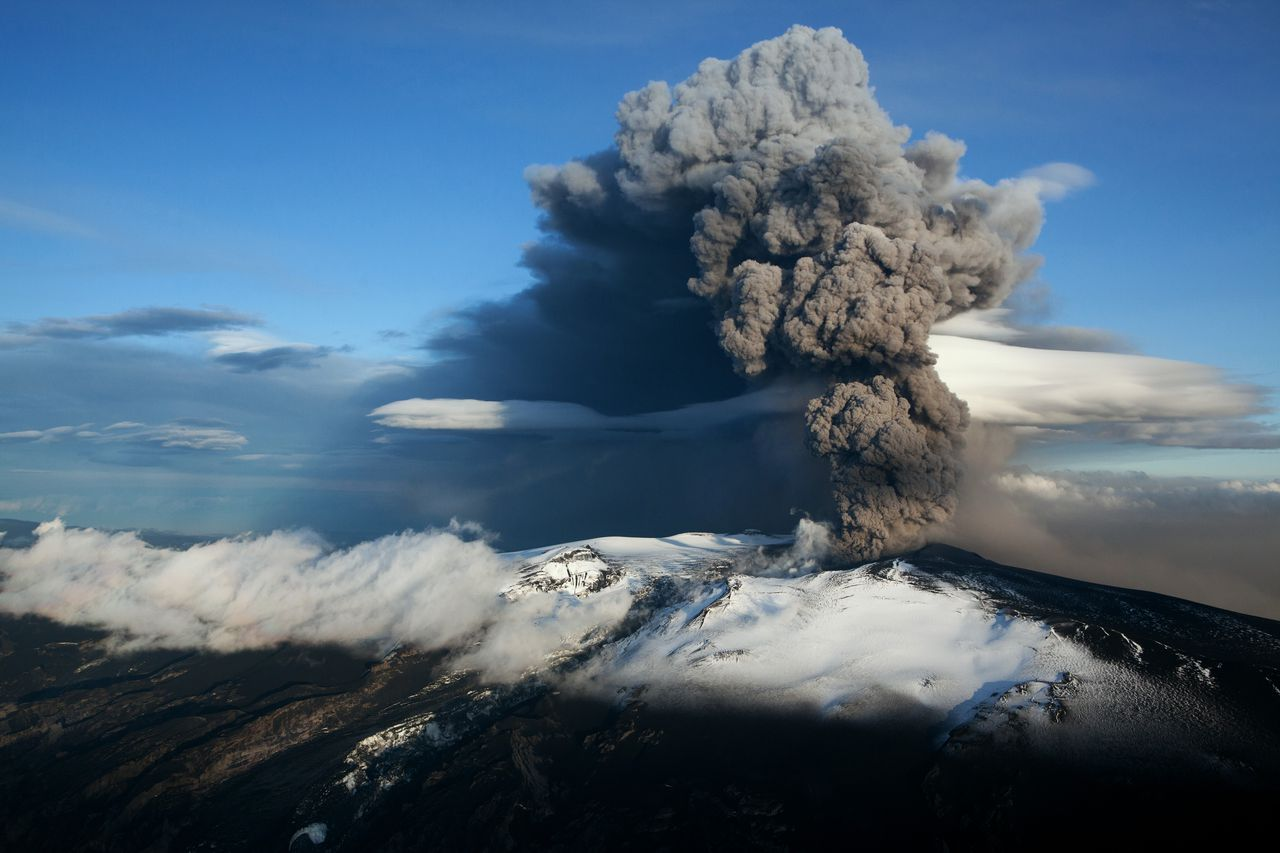 A huge volcano in Iceland may be getting ready to erupt - Vox