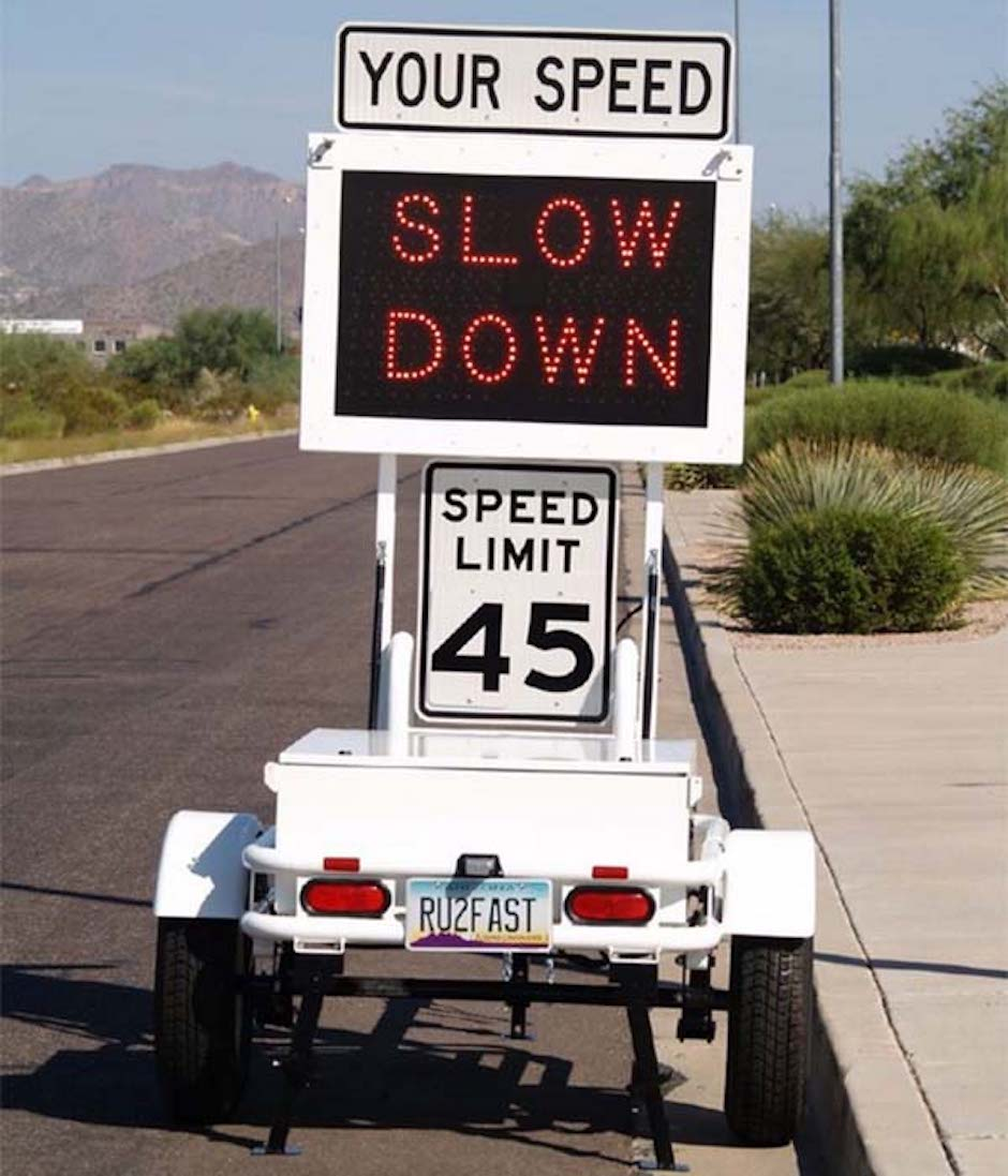 The US government is using road signs showing drivers how ...