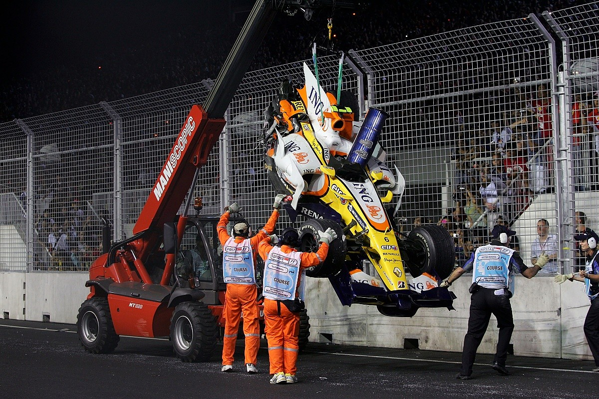 Flipboard: 'Crashgate' revisited - F1's tainted 800th race ...