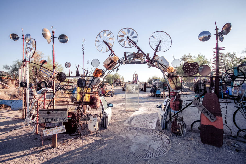 What does living without laws in Slab City really look like