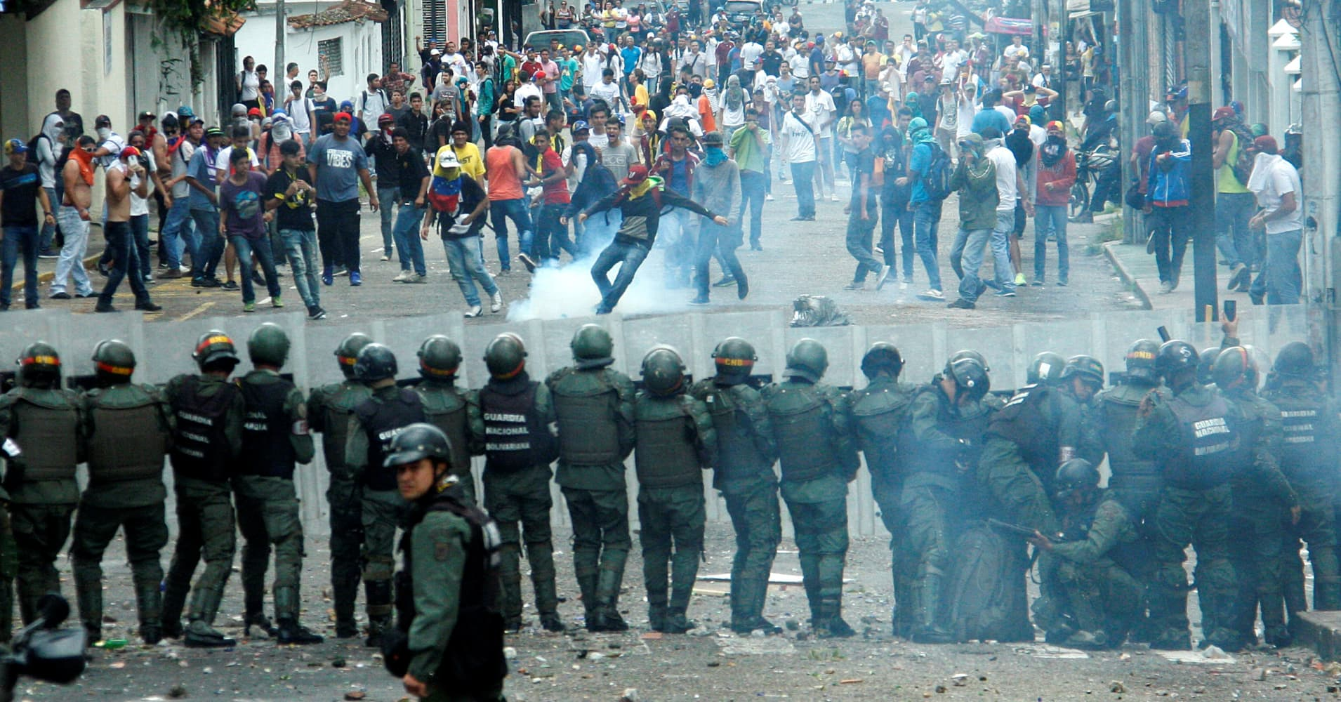 Venezuela's problems get worse as protests and riots ...
