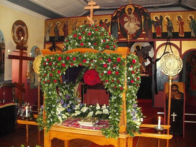 107 best Church Flowers images on Pinterest | Church flowers, Floral arrangements and Flower ...