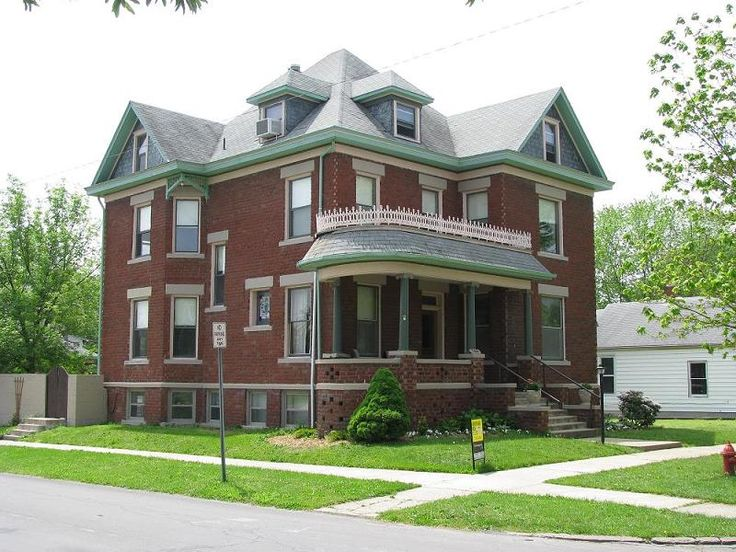 c. 1900 Victorian, Moberly, Missouri | Beautiful Victorian ...