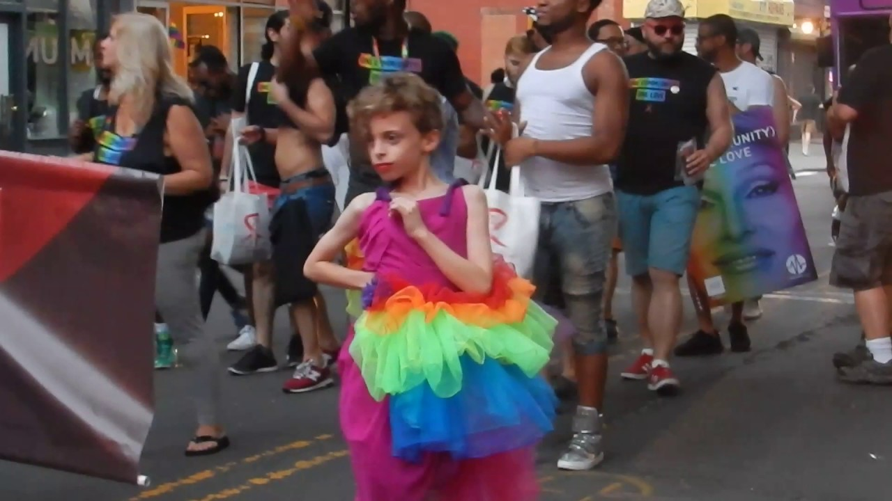 Desmond is Amazing: 10-Year Old Drag Queen at Brooklyn ...
