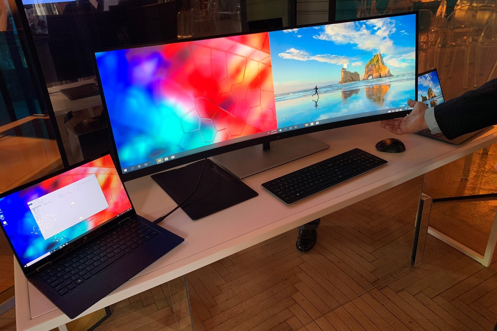 Two new HP curved monitors announced this week-  HP S430C IMAGE