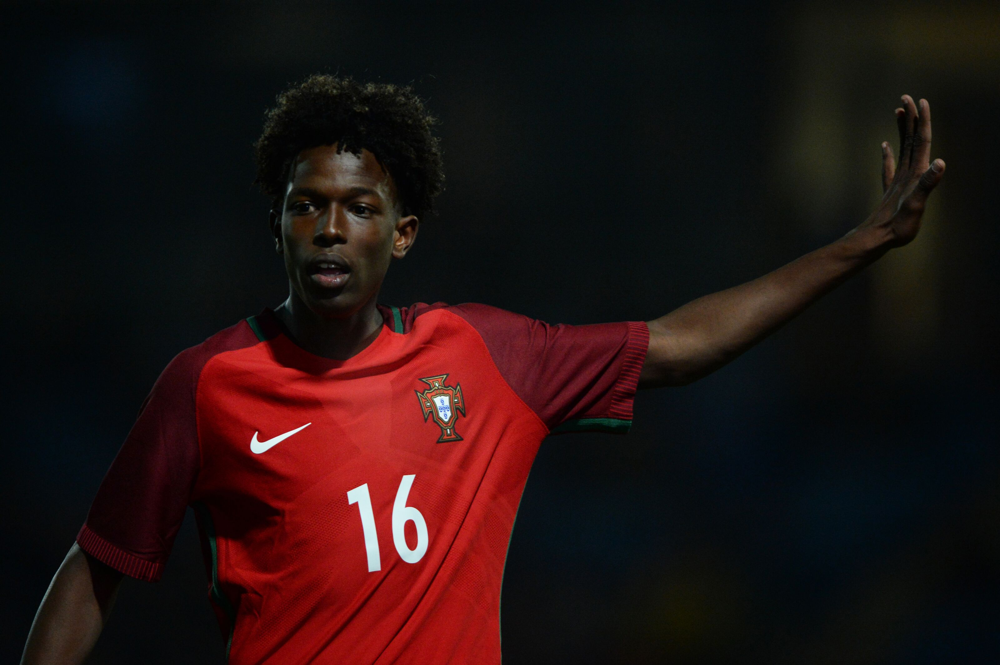 Manchester City to Sign Felix Correia