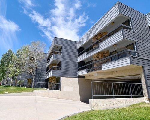 Sapphire Resorts @ Park Regency | Veterans Holidays