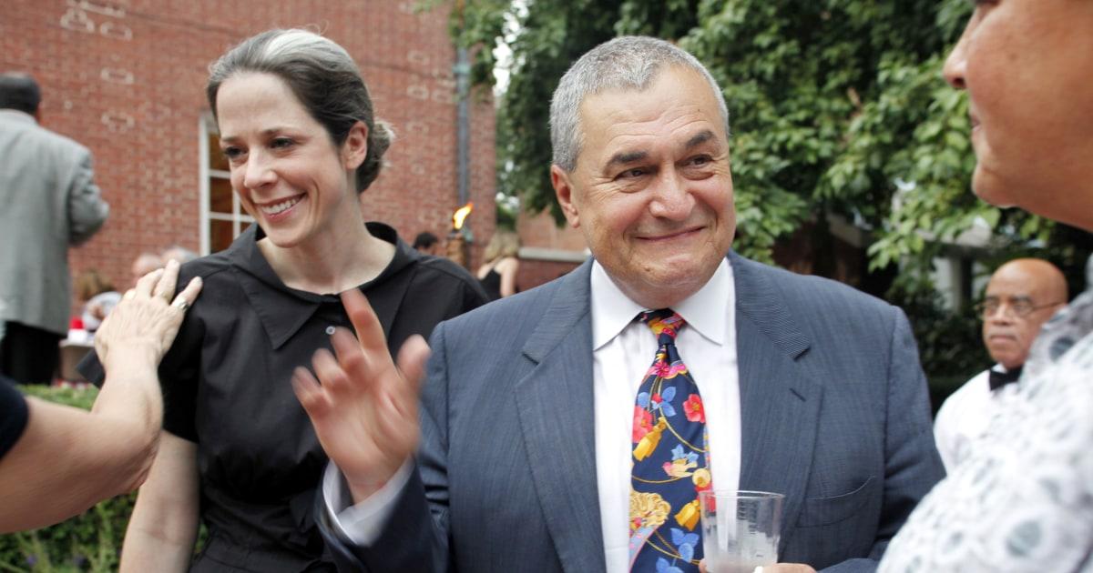 Mueller Now Investigating Democratic Lobbyist Tony Podesta ...