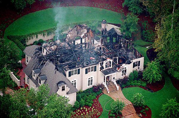 "TLC News on Twitter: ""20 years ago today, Left Eye burnt ..."
