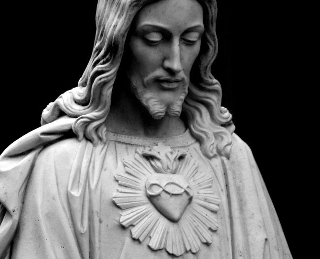 jesus-sacred-heart-statue-small.jpg (650×526) | HEARTS ...