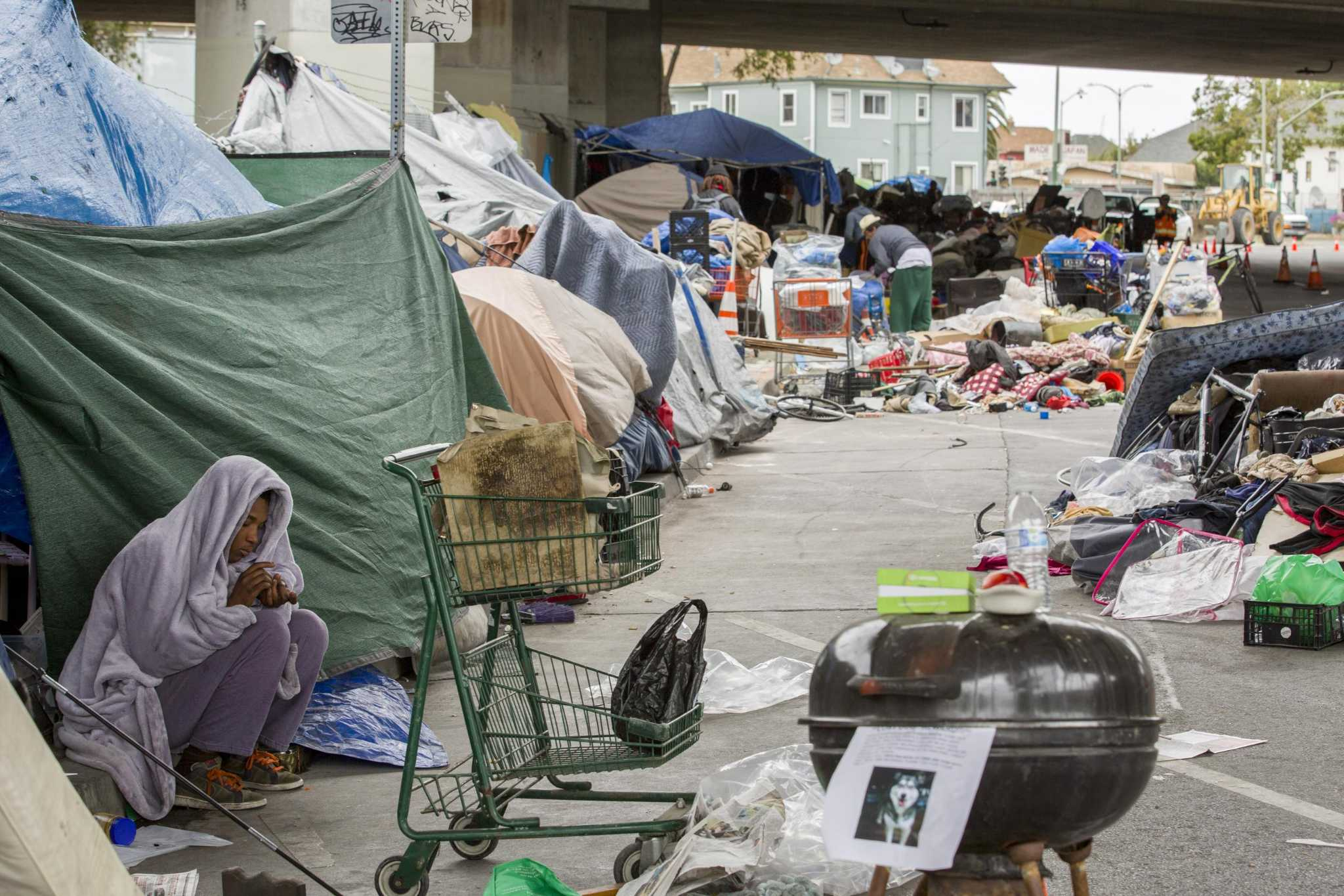 Oakland to try 'safe haven' camps for homeless ...