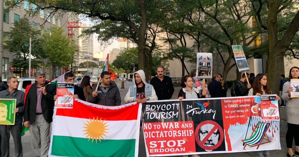 Kurds in Toronto are protesting Turkey's attack on the Syrian Defence Force
