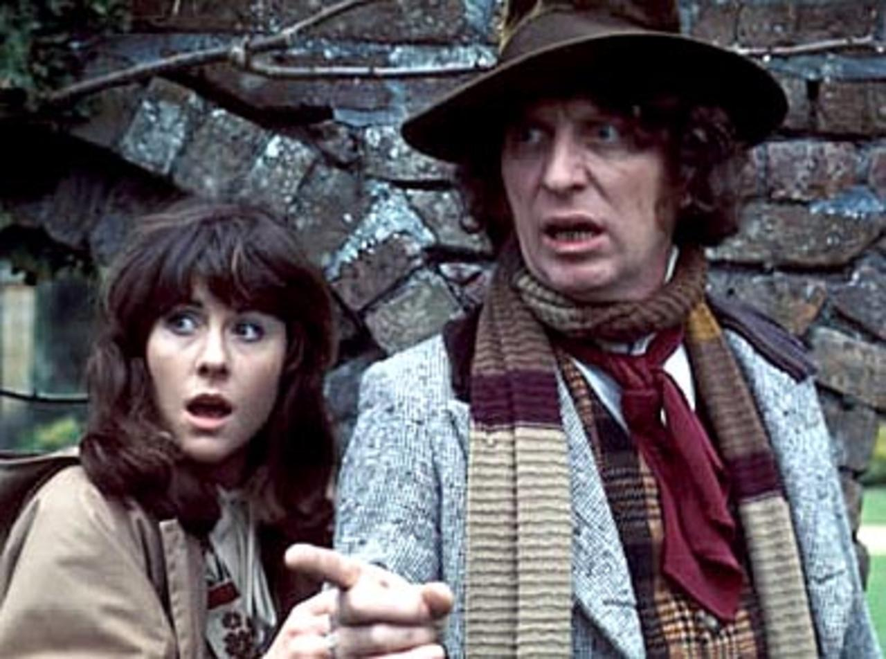 Series 11 - Page 19 ?u=https%3A%2F%2Fspacemonstersmag.files.wordpress.com%2F2014%2F03%2Fdoctor-and-sarah-jane