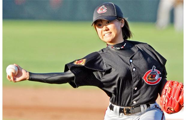 Top 10 Greatest Female Baseball Players of All Time ...