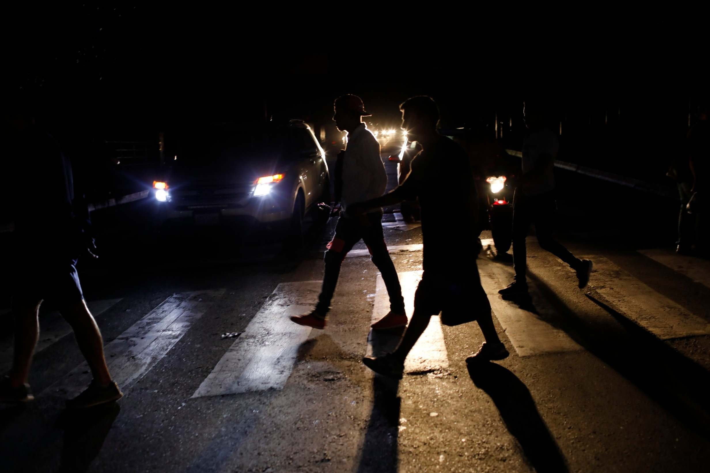 Power cut in Venezuela plunges country into darkness as ...