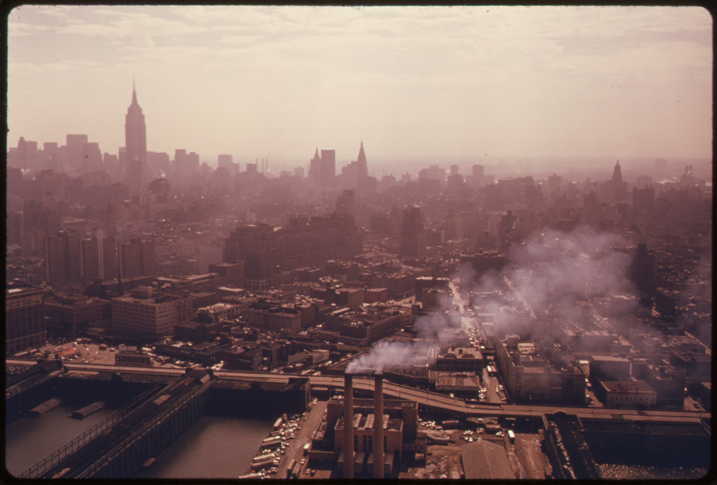 File:MANHATTAN, NEW YORK. TRANSPORTATION IN AN URBAN AND INDUSTRIAL AREA LIKE NEW YORK PRODUCES ...
