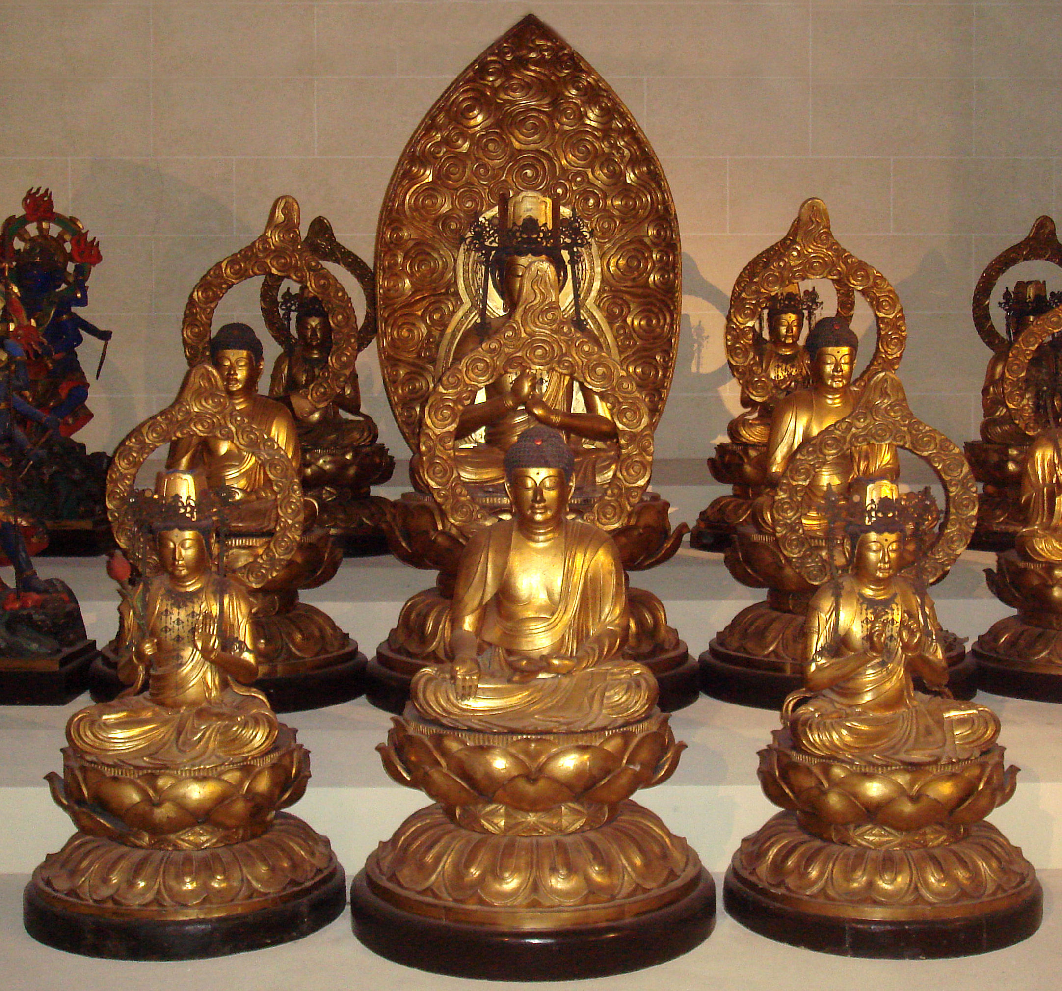 File:Five Wisdom Buddhas and four Bodhisattvas at the ...