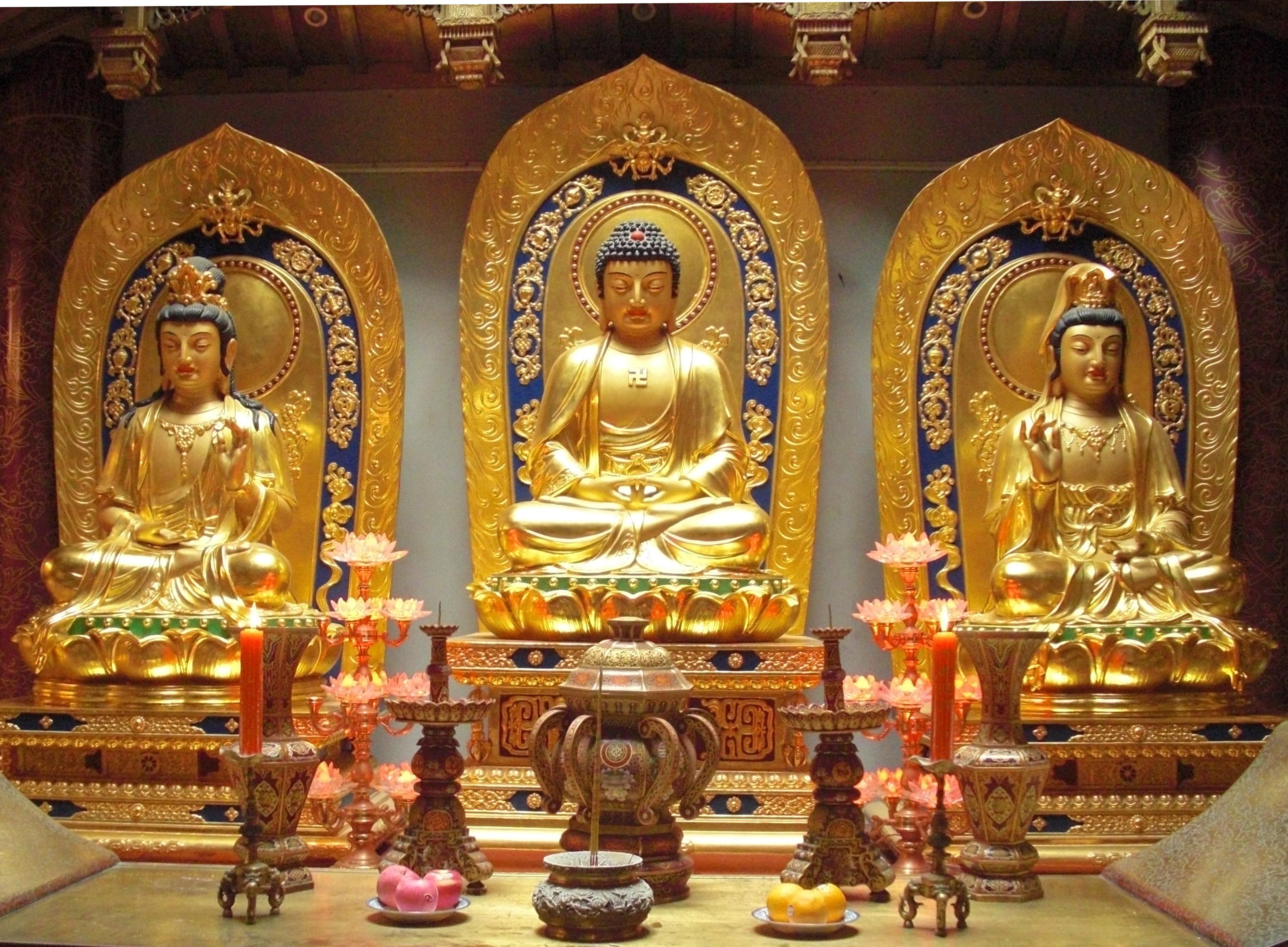 File:Amitabha Buddha and Bodhisattvas.jpeg - Wikimedia Commons