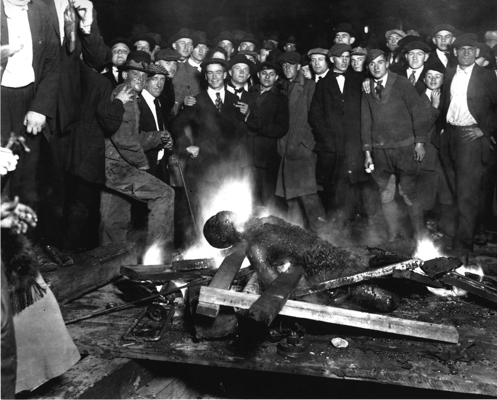File:Omaha courthouse lynching.jpg - Wikimedia Commons