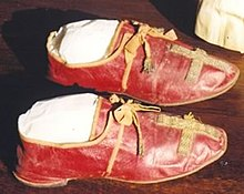 Papal shoes - Wikipedia