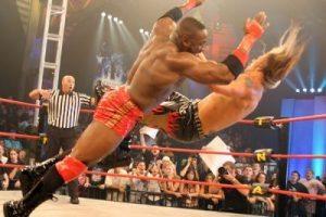 5 WWE Superstars Who Need New Finishers | eWrestlingNews.com