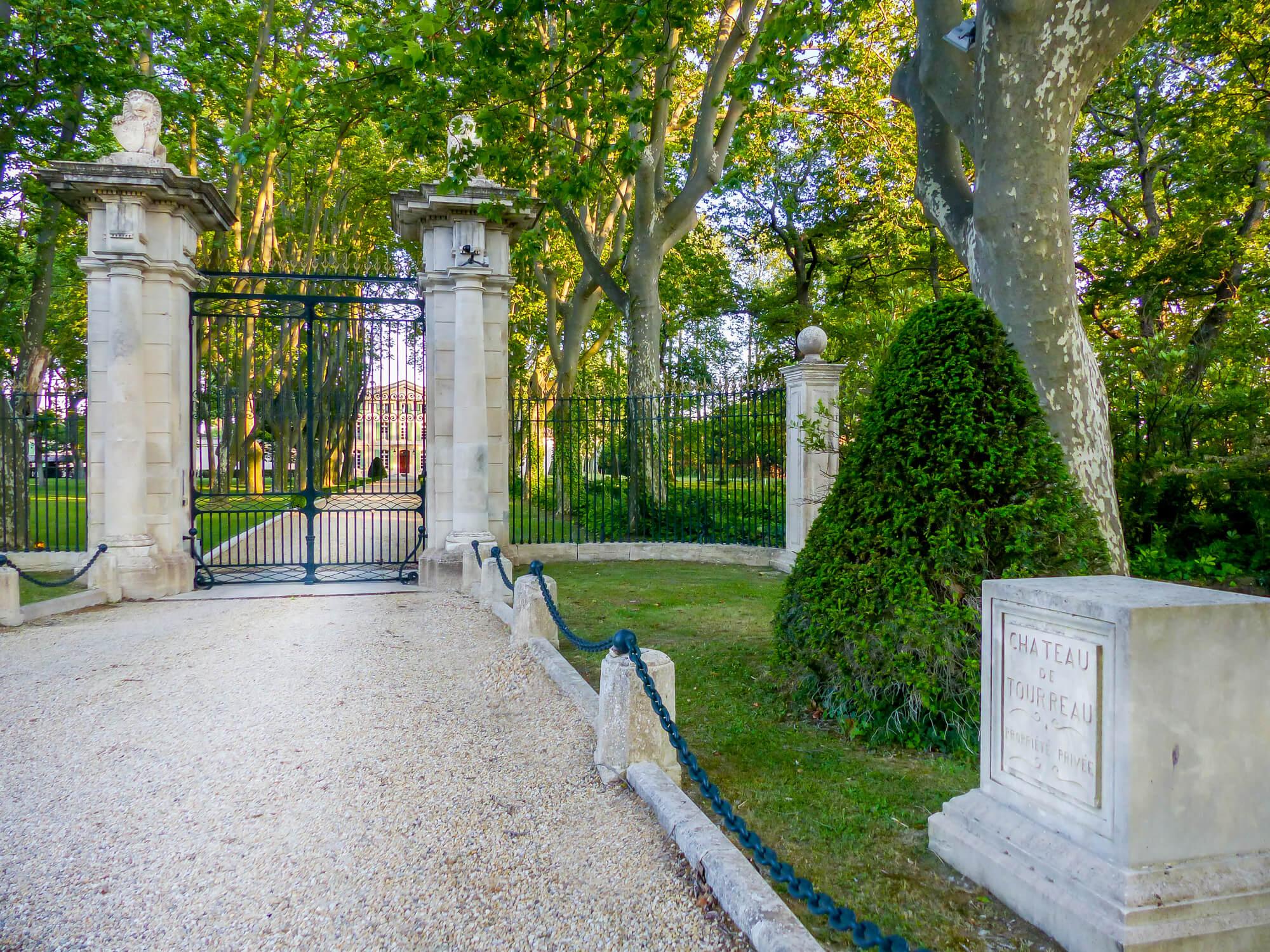 Замок Турро, недалеко от Авиньона   Мас Амор роскошная вилла