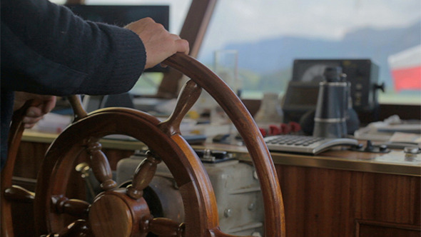 Project Controls and Steering a Ship