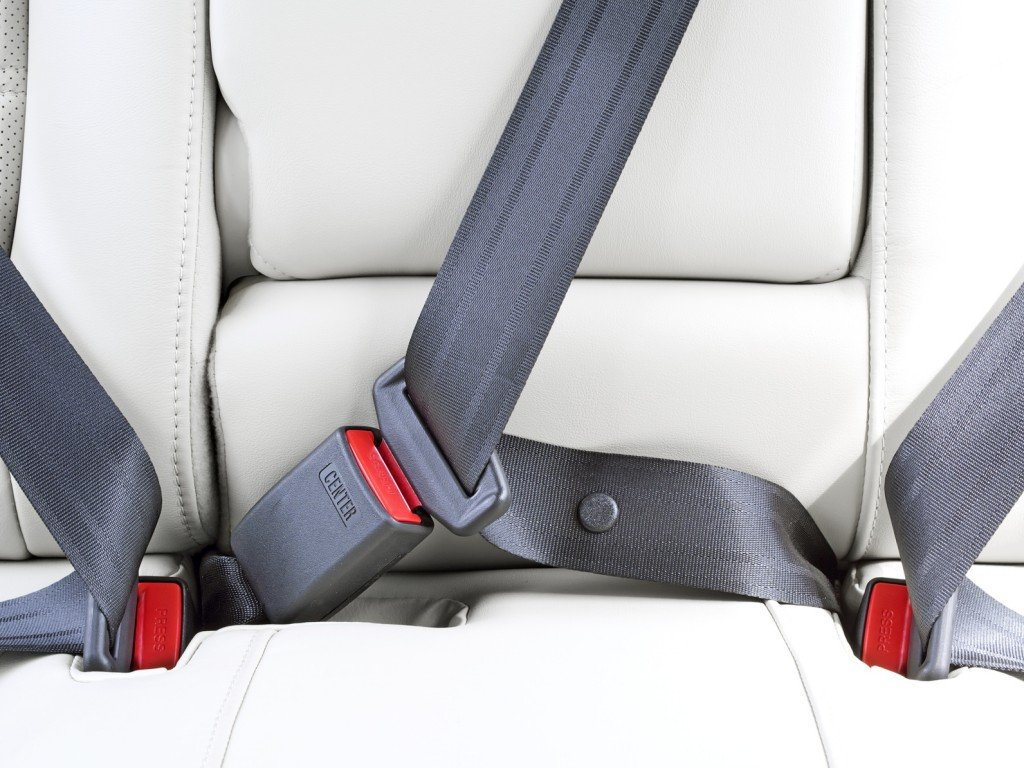 https://proxy.duckduckgo.com/iu/?u=https%3A%2F%2Fwww.scienceabc.com%2Fwp-content%2Fuploads%2F2016%2F02%2Fseat-belt.jpg&f=1&nofb=1
