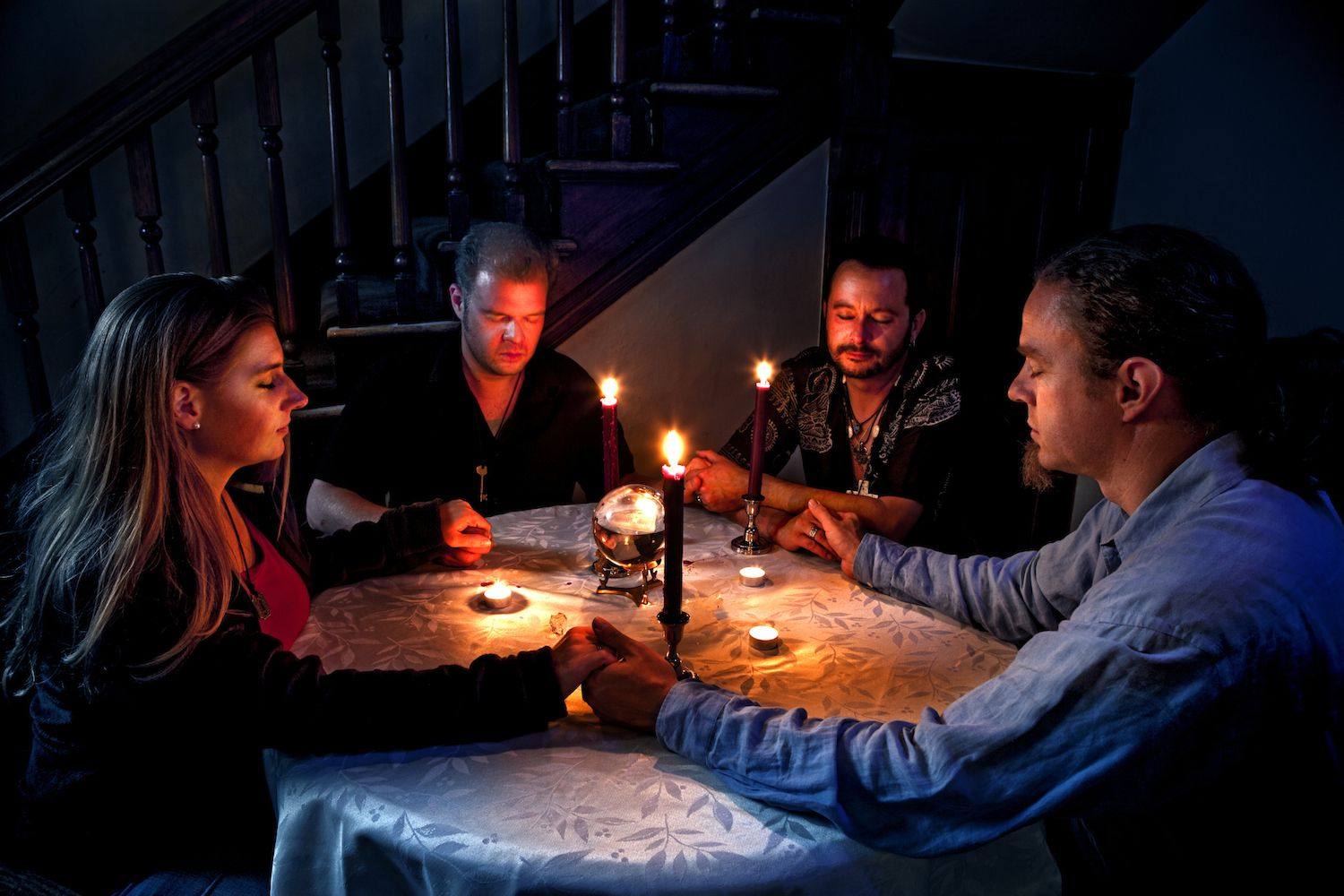 How to Hold a Seance