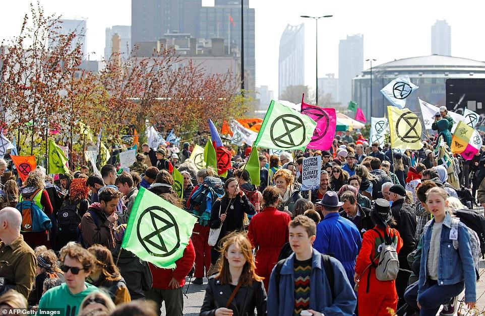 12293930-6923023-Environmental_protestor