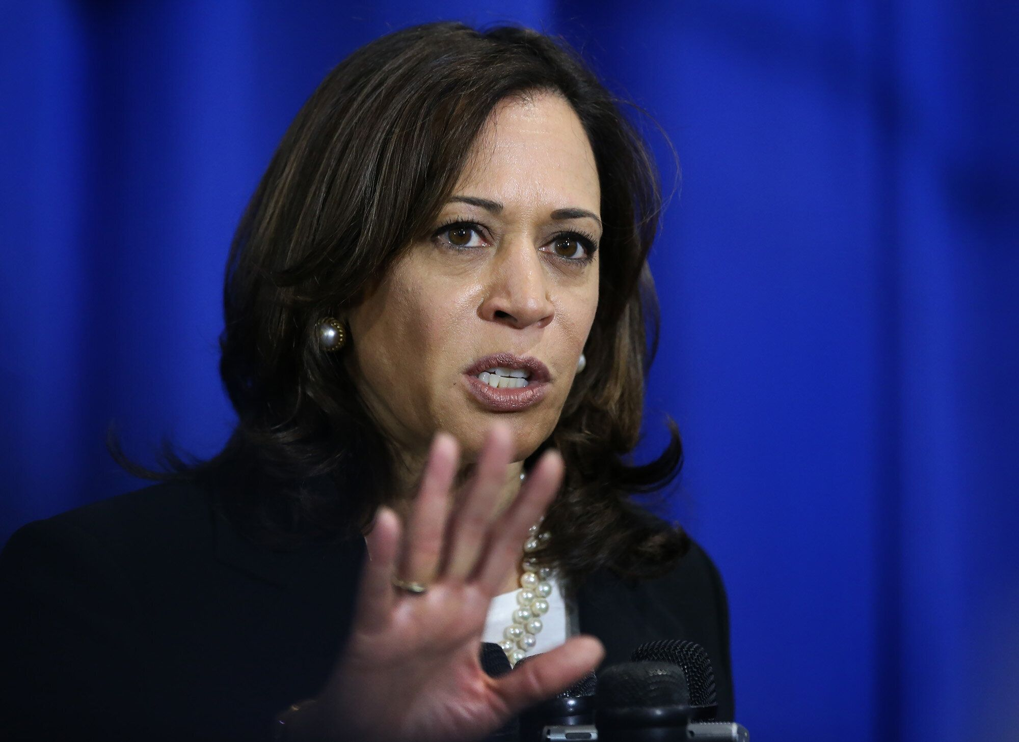 Wannabe dictator Kamala Harris thinks Twitter should ban Trump