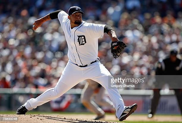 joel-zumaya-of-the-detroit-tigers-throws