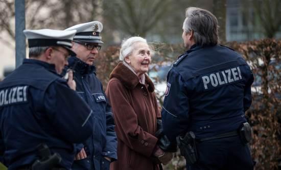Ursula-Haverbeck-emprisonnee.jpg&f=1